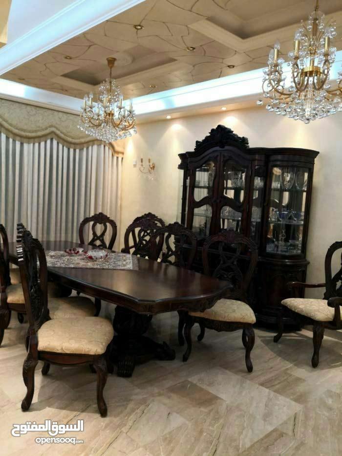 700 sqm  Villa for sale in Amman
