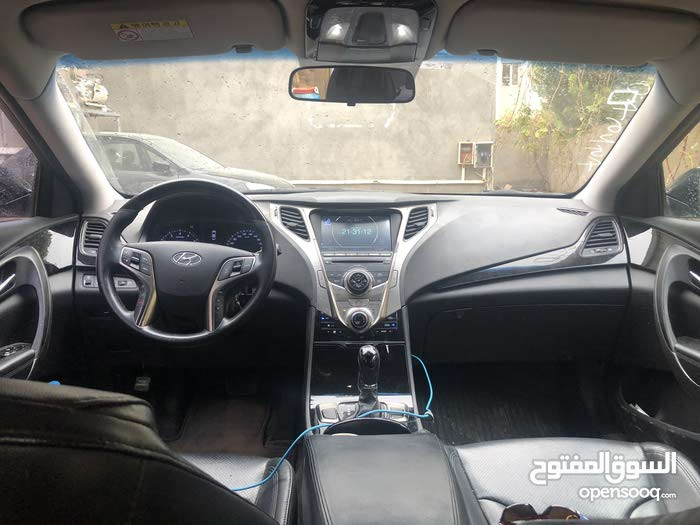 Hyundai Azera 2013 For sale - Black color
