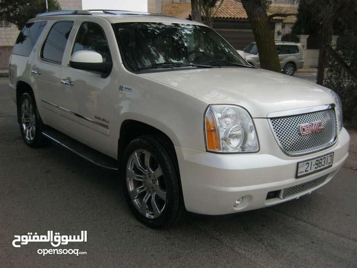 GMC Yukon car for sale 2012 in Amman city