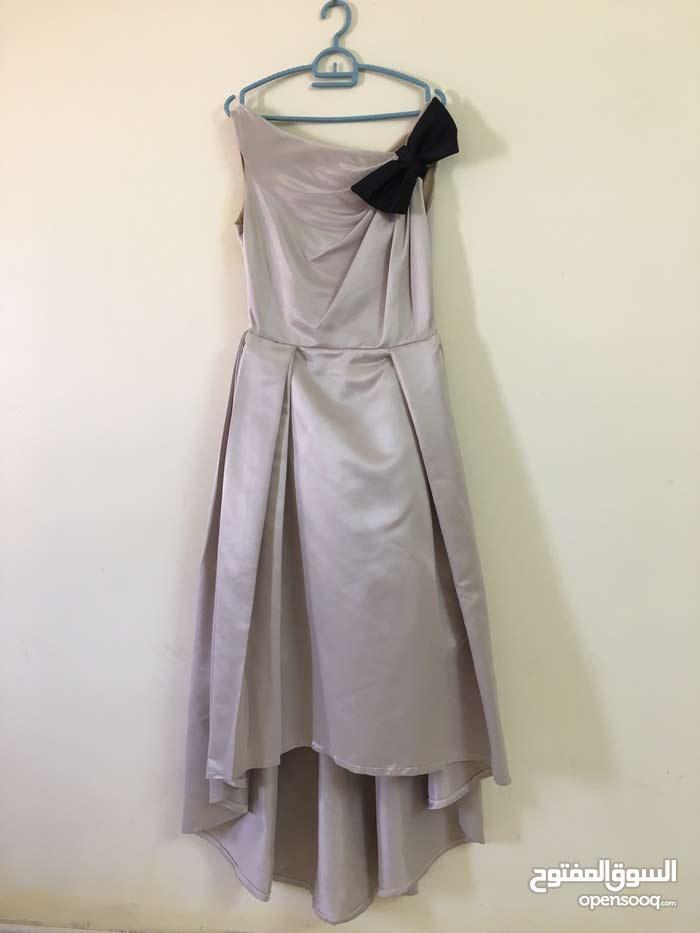 فستانين للبيع