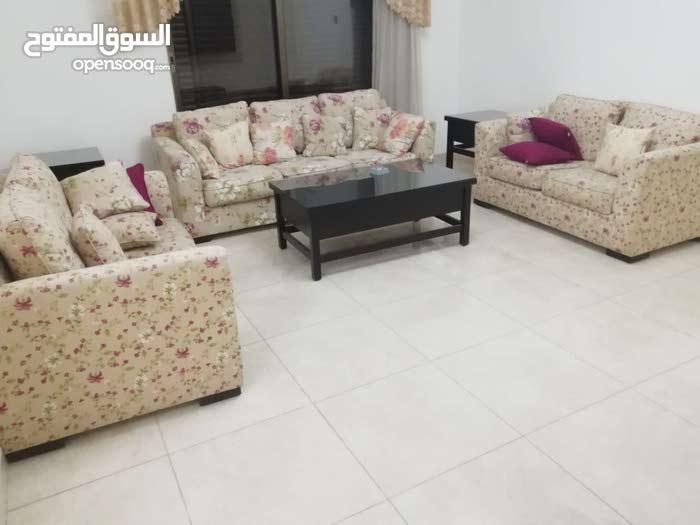 شقة للايجار في ديرغبار - فخمة - 190م - طابق اول - 3 نوم