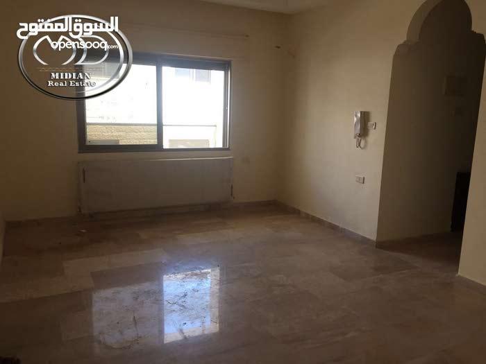 شقه الطابق الثالث للبيع في السابع قرب خليل الرحمن 185 م روف 80م جديدة لم تسكن