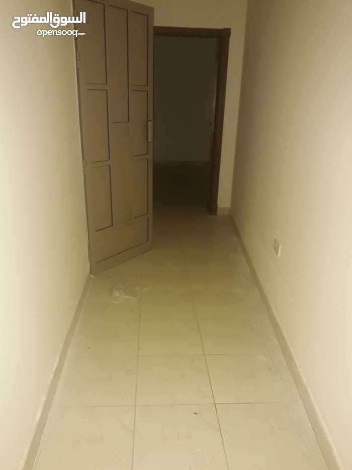 للايجار شقه في الرفاع الشرقي صوب مستشفى الهلال