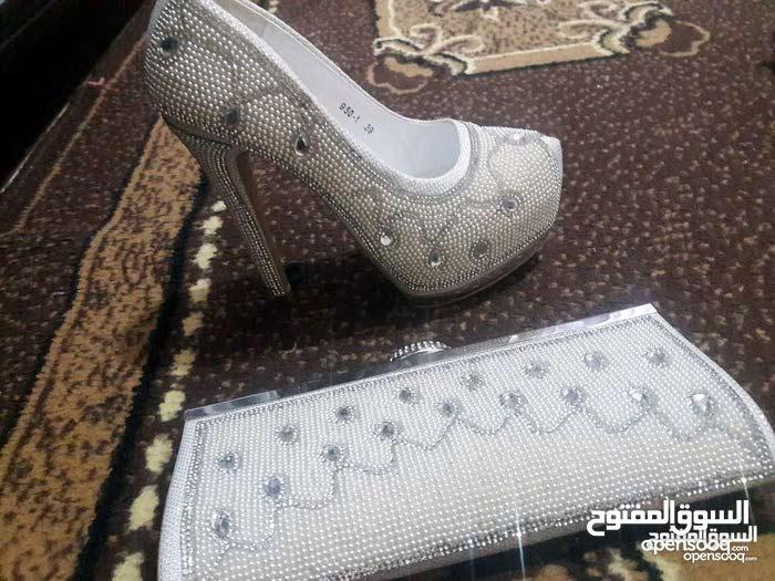 أحذية سهرة  للبيع   جديدة مقاس 38 /39