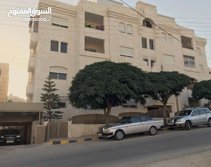 Apartment property for rent Amman - Al Rawnaq directly from the owner
