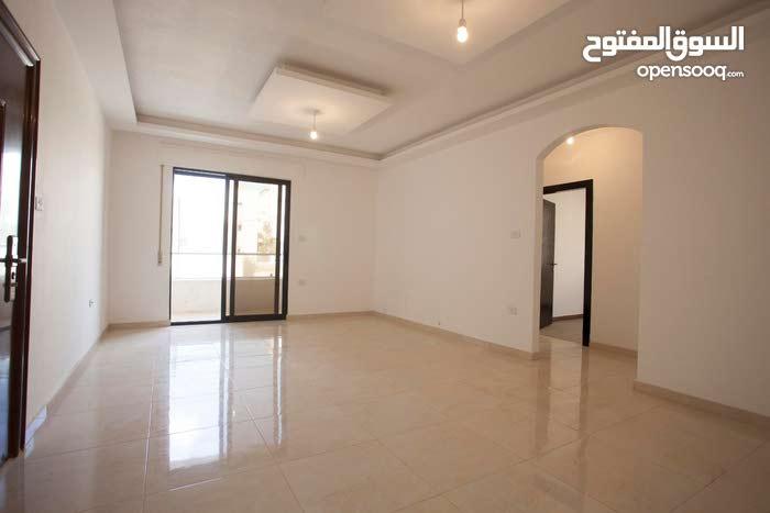 شقة 120م في حي المنصور الراقي ع شارع الاردن