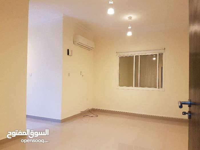 شقة للايجار في بن عمران/ apartment in bin omran