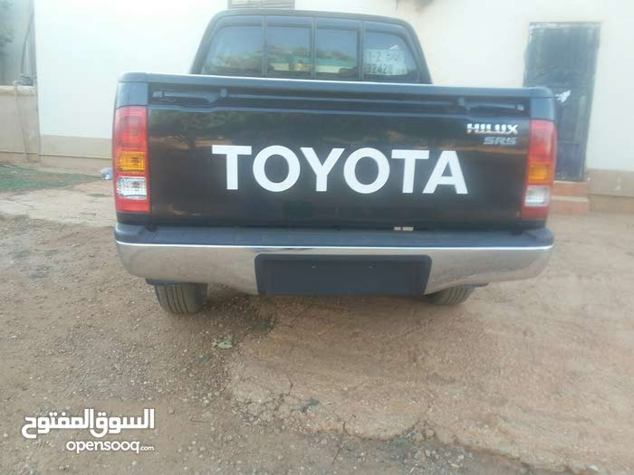 For sale Toyota Hilux car in Benghazi