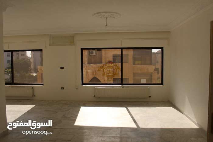 شقه طابقية طابق ثاني للبيع في الاردن - عمان - أم أذينة 287 م