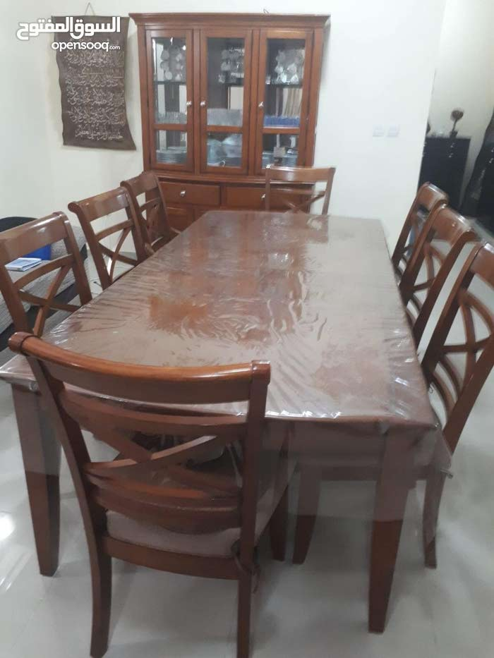 Food table for sale perfect condition