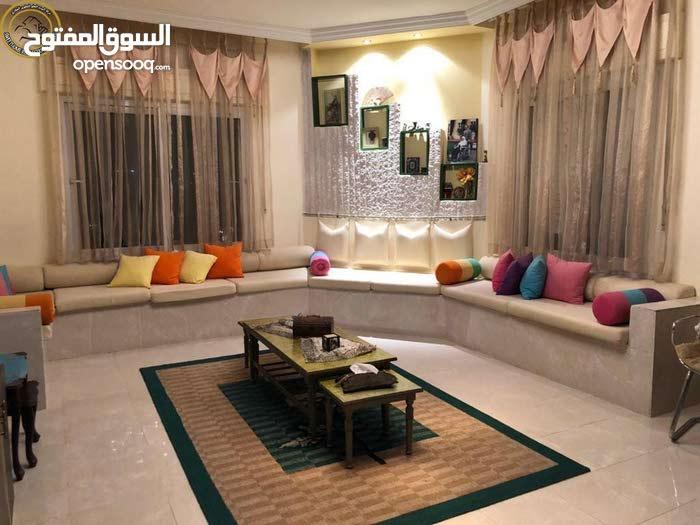 Marj El Hamam neighborhood Amman city - 230 sqm apartment for sale