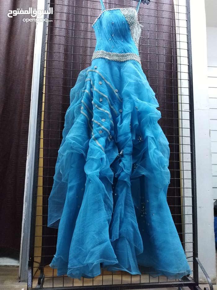 فساتين أعراس مستخدم وفساتين خطبة وسهرة  للبيع