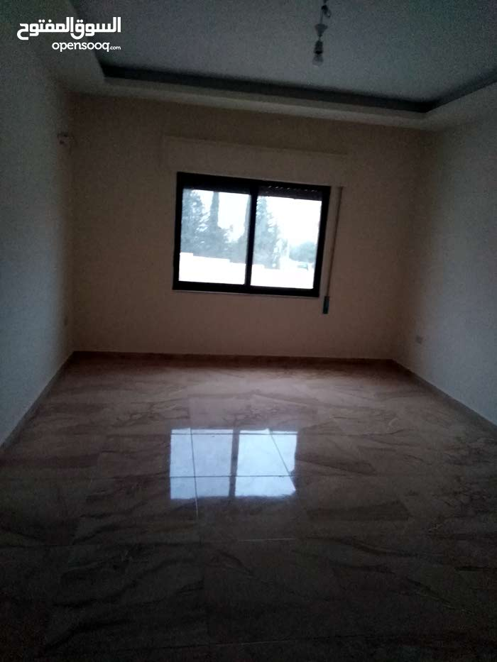 شقة جديدة لم تسكن الرابية 3نوم 3حمام صالون 5الالاف