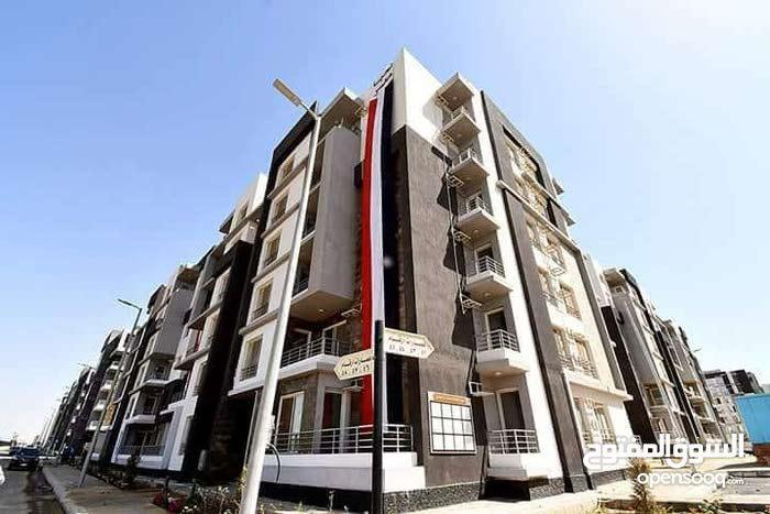 شقة للبيع في العاشر من رمضان شرق المعهد التكنولوجيا مساحة130 متر دةر ةالث مطلوب