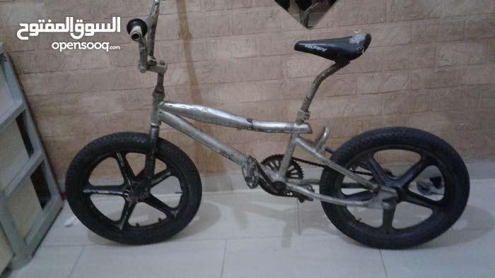 للبيع دراج رامبو 90  والله مافيه شيء مقاس 19