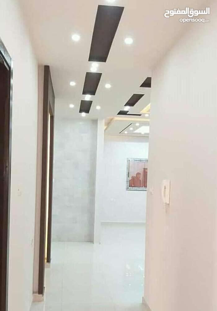 شقة مساحة 145 متر على شارع الشفاء العام