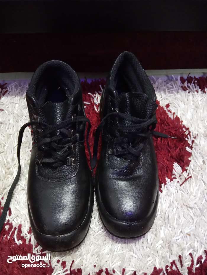 حذاء سيفتي