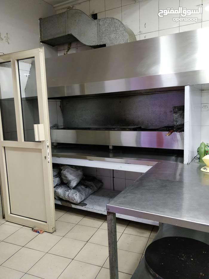 فرصة استثمارية مطعم للبيع بجميع أجهزته الحديثة