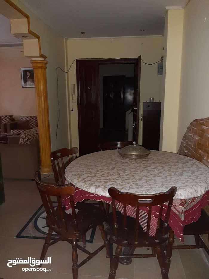 شقة للاجار بيرون برج ابي حيدر 700$بلا عفش والف$ مع العفش 6اشهر سلف