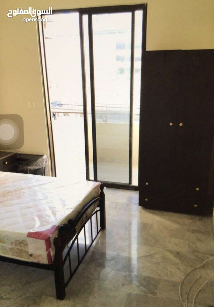 private room Ashrafeye hotel Dieu mathaf for rent shared bath and kitchen with other room