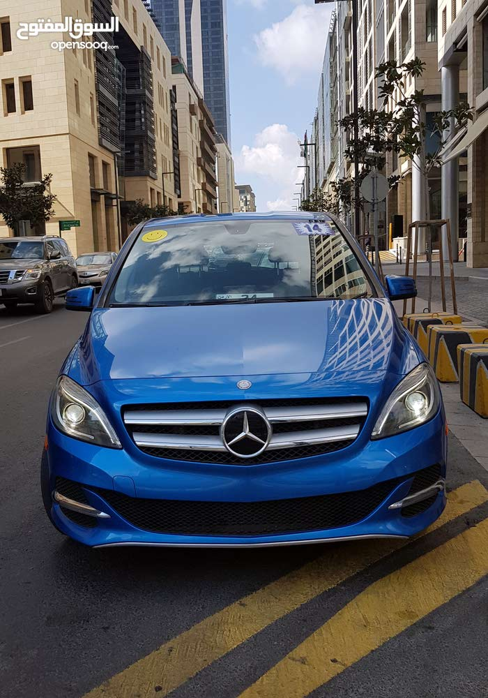 For sale a Used Mercedes Benz  2014