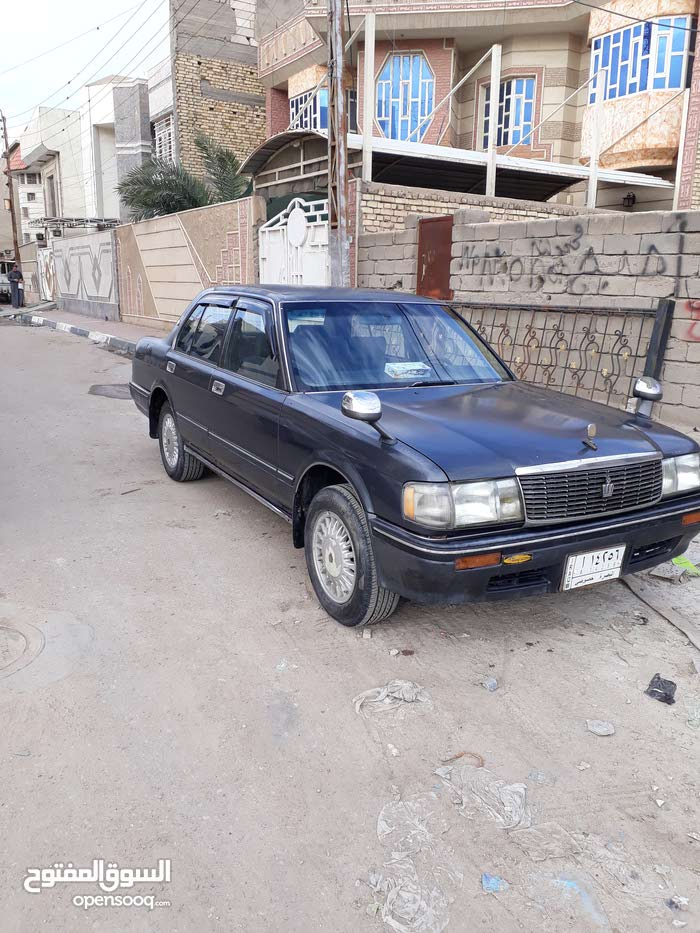 Available for sale! 1 - 9,999 km mileage Toyota Crown 1992