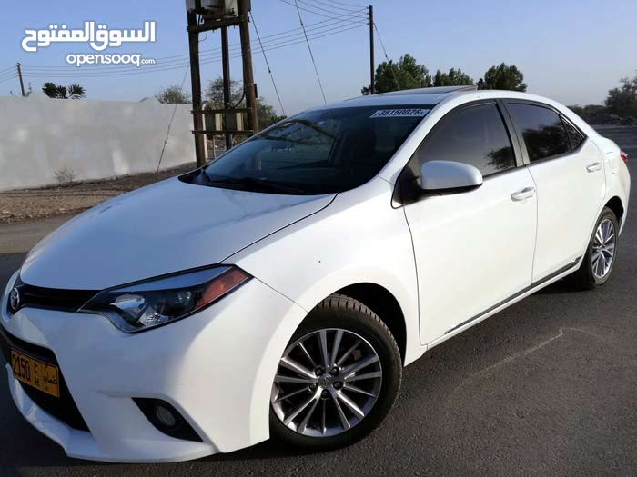 Toyota Corolla 2014 For sale - White color