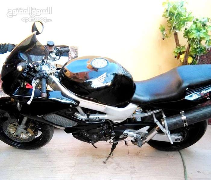 Honda motorbike for sale made in 2002