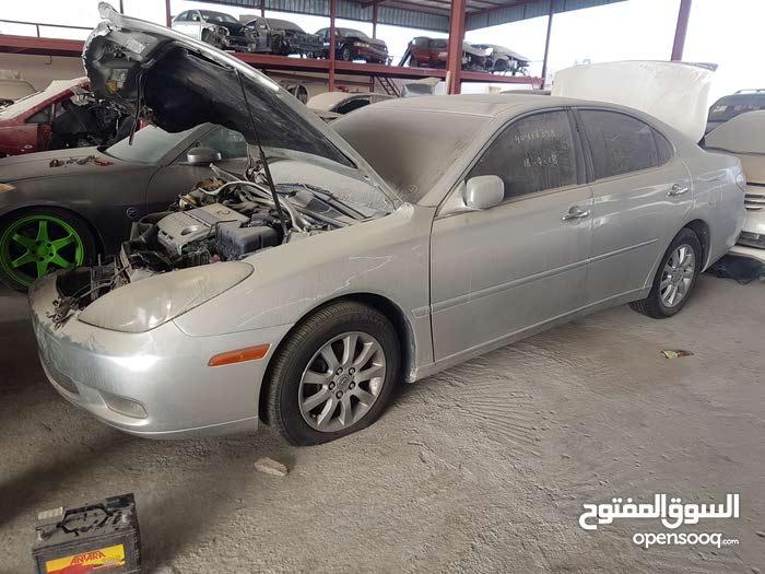 لكزس ES2004 محرك 330 لبيع قطع الغيار فقط والسياره ليست للبيع
