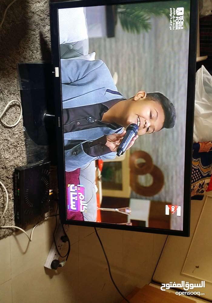 تليفزيون سامسونج 43 بوصه شبه جديد بدون الكرتون