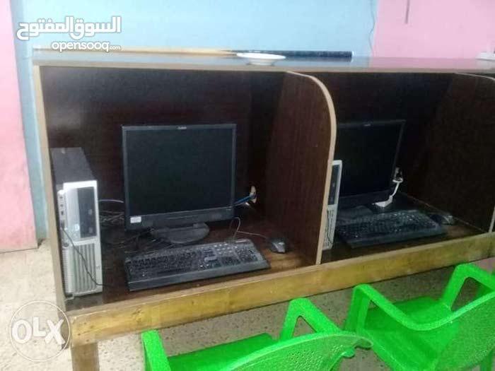 طاولة بليار مع 6 كومبيوترات