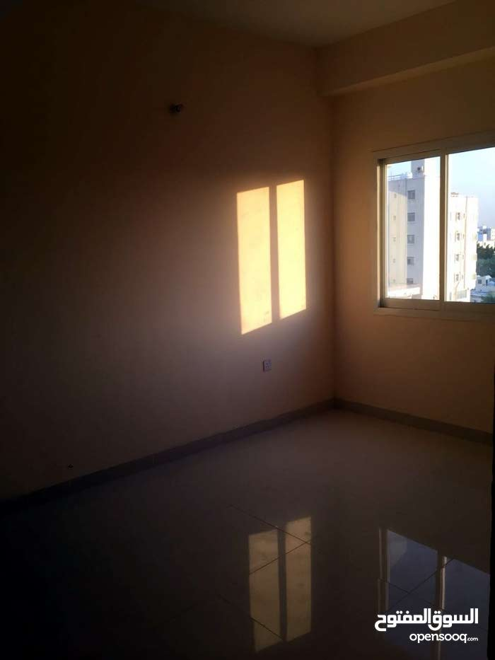 apartment on Fifth Floor for rent