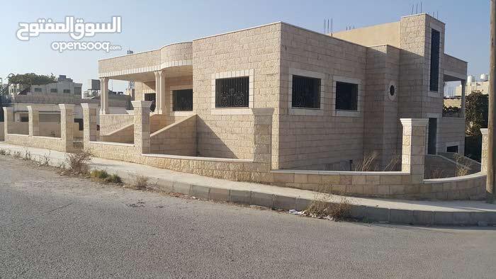 أربد زبده فركوح غرب خزان أربد قرب مدرسة زبده الأساسية