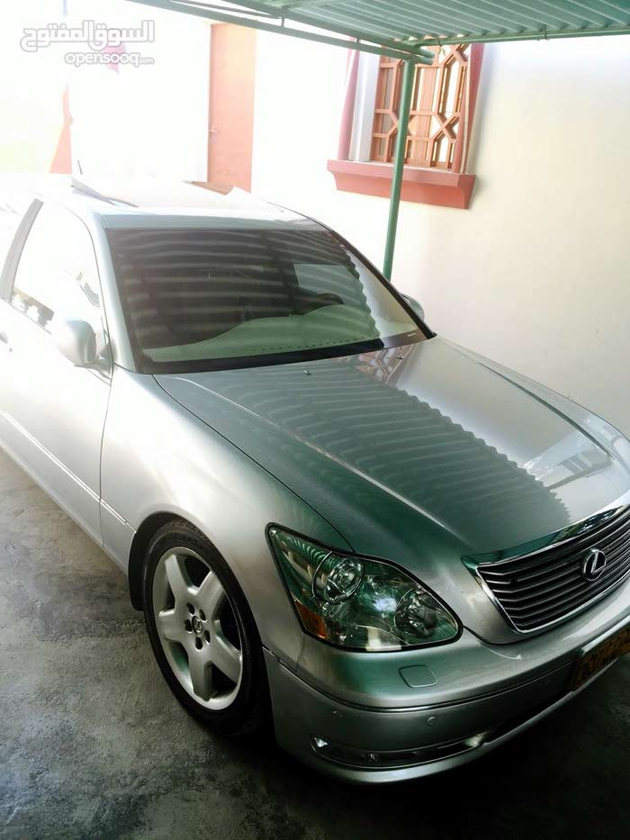 Used condition Lexus LX 2005 with +200,000 km mileage