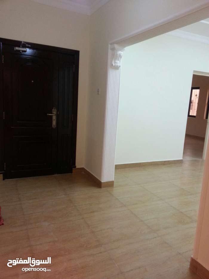 للايجار شقة في مدينة حمد من 3 غرف