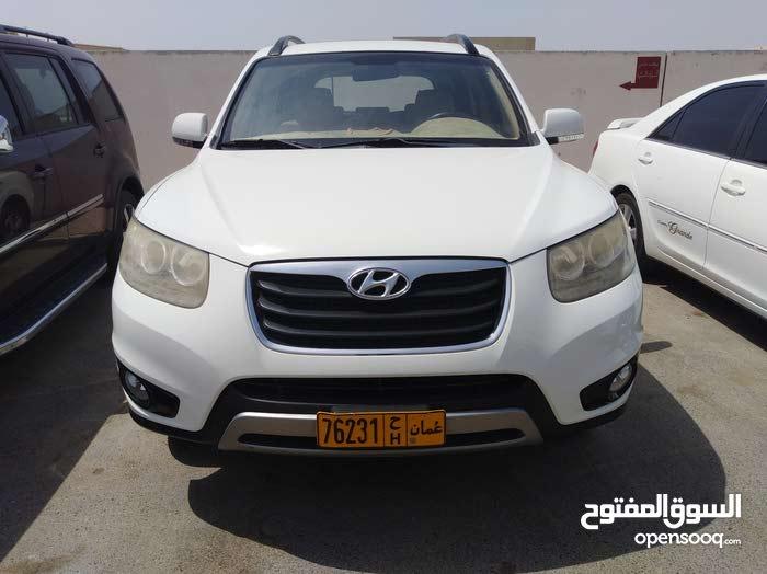 White Hyundai Santa Fe 2012 for sale