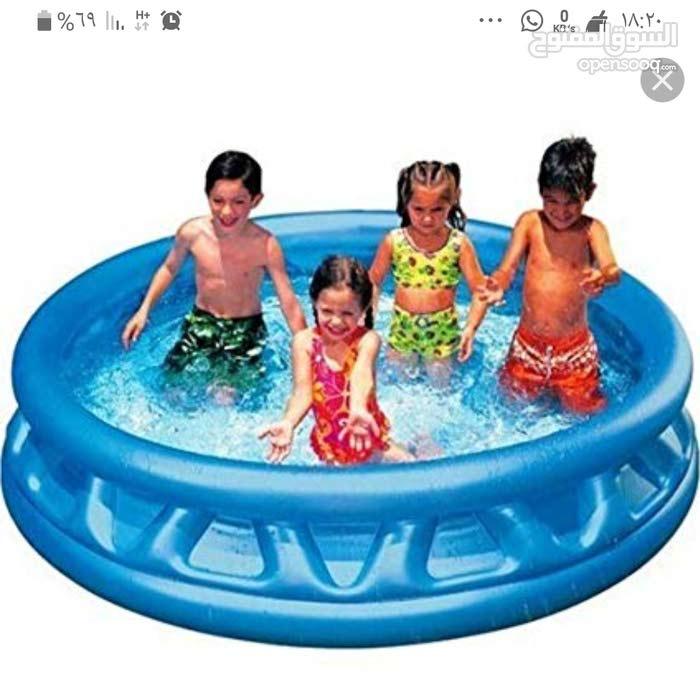 حوض سباحة متنقل