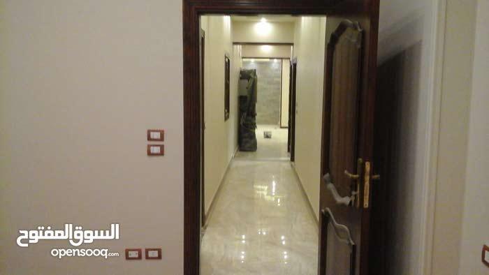 شقة لقطة سكن مميز جداً بجنوب الأكاديمية للإيجار وفيو رائع ب 8000ج