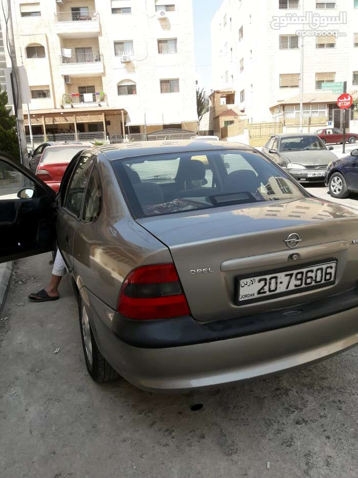 Opel Vectra made in 1998 for sale