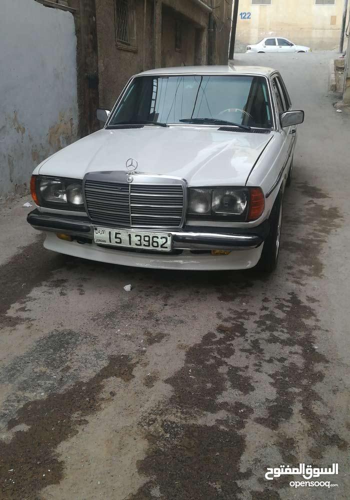 Mercedes Benz E 200 1978 For sale - White color