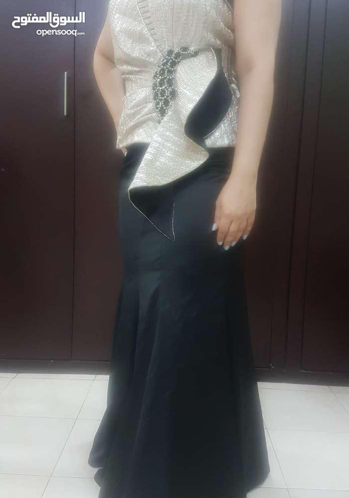 فستان راقي وفخم للاعراس والمناسبات الراقيه