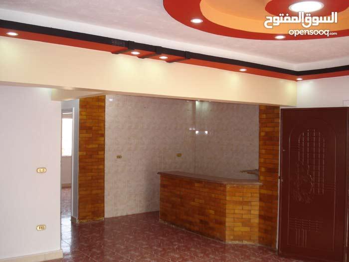 للبيع 2 غرفة وصالة و2حمام ومطبخ مساحة 130 متر  قريبه من البحر بقريه شاطئ النخيل 6 اكتوبر