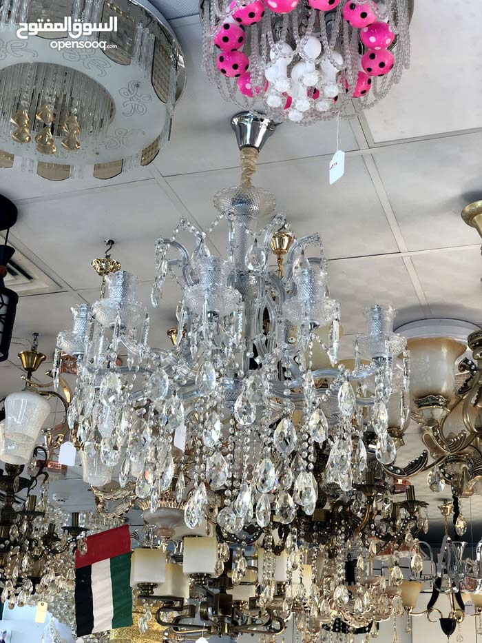 Abu Dhabi - Used Lighting - Chandeliers - Table Lamps for sale directly from the owner