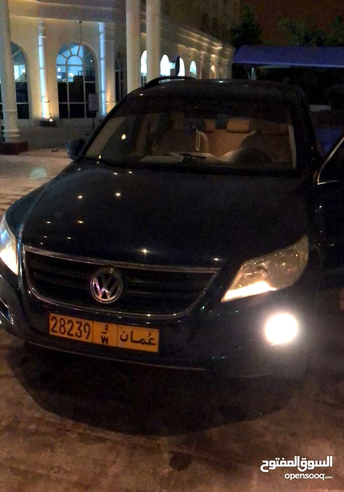 Tiguan for sale 2009 and  clean