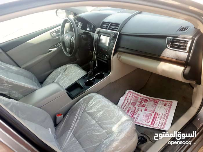 Grey Toyota Camry 2016 for sale
