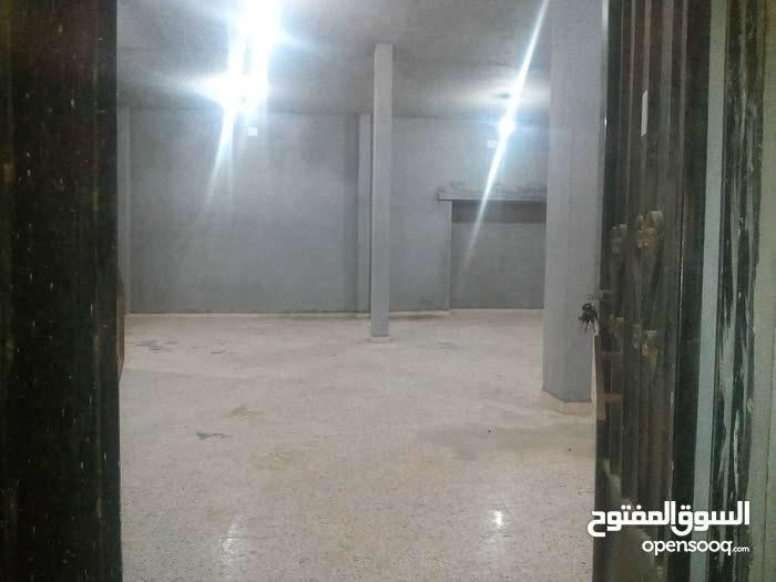 مخزن للإيجار / بنغازي / حي السلام