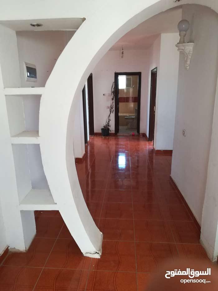 140 sqm  apartment for rent in Salt