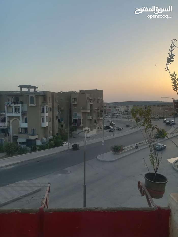 للبيع شقه 63 متر اسكان شباب المستقبل مدينة العبور موقع متميز جدا وفيو رائع