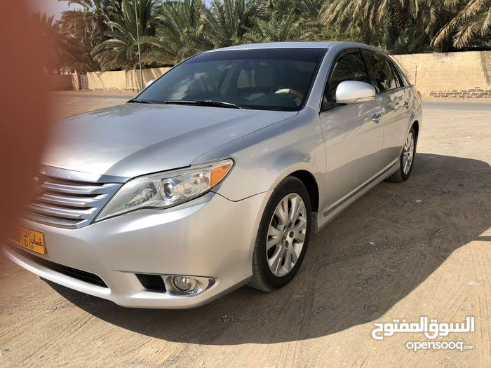 Available for sale! 10,000 - 19,999 km mileage Toyota Avalon 2011