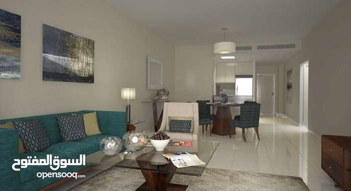لللبيع شقه بالوسيل بالطابق الأرضي 2غرفه نوم 3 حمامات غير مسكونه من قبل